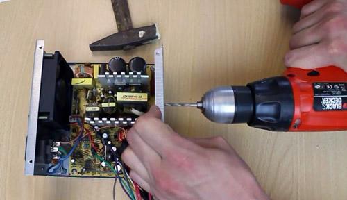 cara-mengubah-power-supply-pc-menjadi-adaptor-bor-konektor